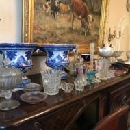 2 Caches pot en NEVERS, Henri Signoret. Cache-pot en faience à décor en camaïeu bleu de coquilles et autres