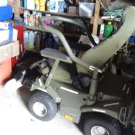 Fauteuil électrique tout terrain 4X4 à dominante extérieure Power - Chassis rigide, arceau de sécurité rabattage