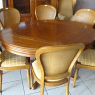 Table en mérisier avec 2 allonges + 6 chaises