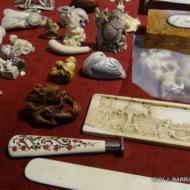 Vue de quelques Netsukés et autres beaux objets
